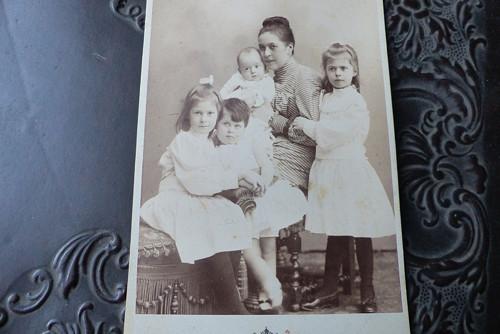 Čtvrté dítě... kabinetní fotografie