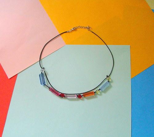 Náhrdelník s barevnými korálky