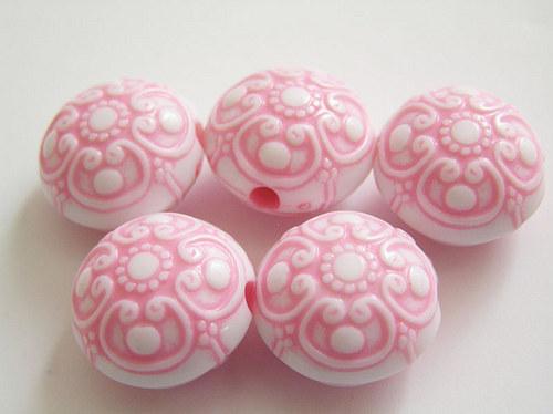 Kulaté čočky světle růžová barva