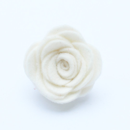 Ozdoba do klopy - bílá květina