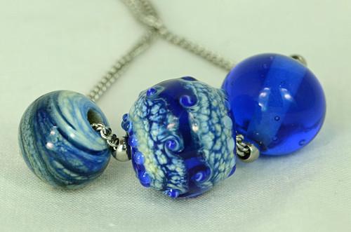 Tři modré
