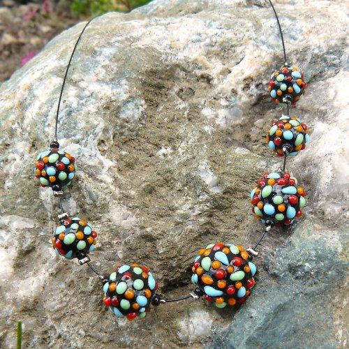 Barevné koule - vinuté perle