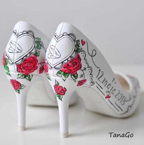 Rudé růže v krajkách