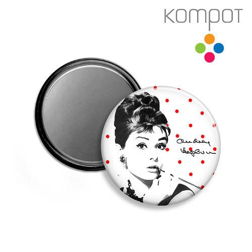 ZRCÁTKO :: Audrey Hepburn - červené puntíky