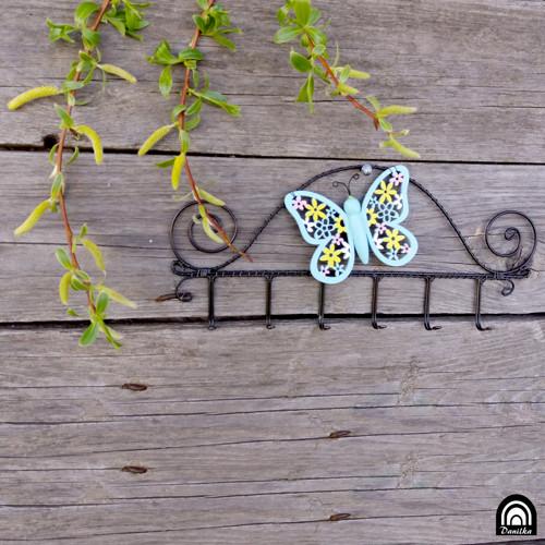 Věšák motýlek