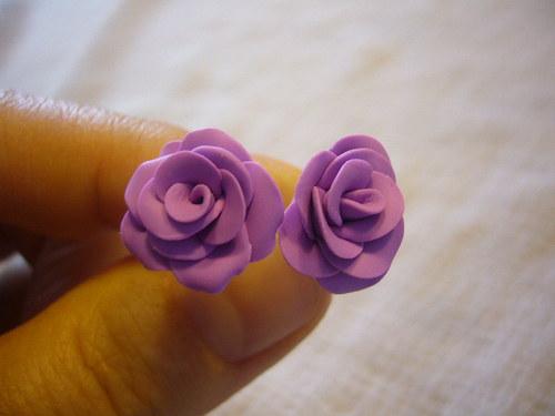Náušnice - sv.fialové růžičky na puzetě