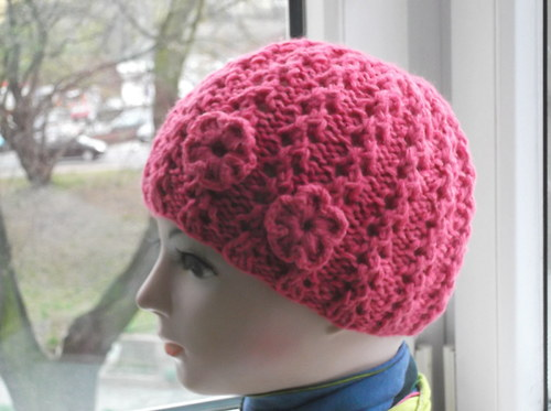 Pro holčičky - čapka s kytičkami 38-52 cm