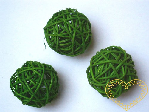 Zelená koule z pedigu - ø 5 cm
