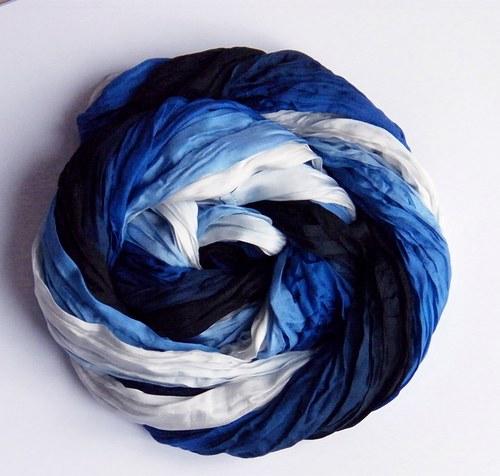 Královny nosí modrou...hedv.šála kruhová twill