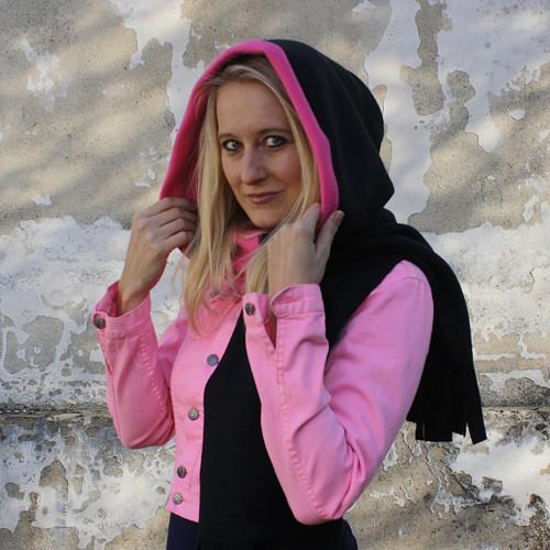 K ODESLÁNÍ: Šála s kapucí s velkým lemem-DÁMSKÁ