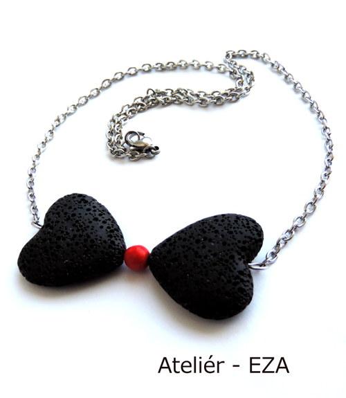 Elegantní motýlek - minerálový náhrdelník z oceli