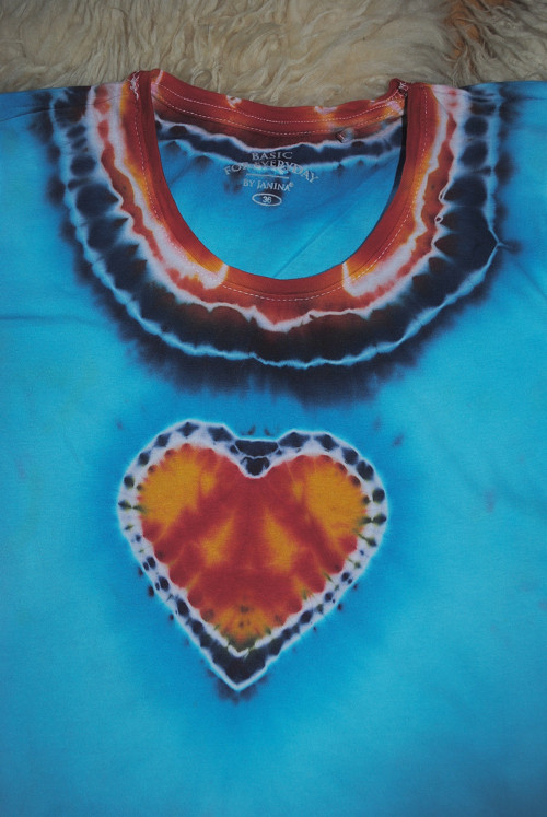 Batikované tričko M - Srdce na dlani