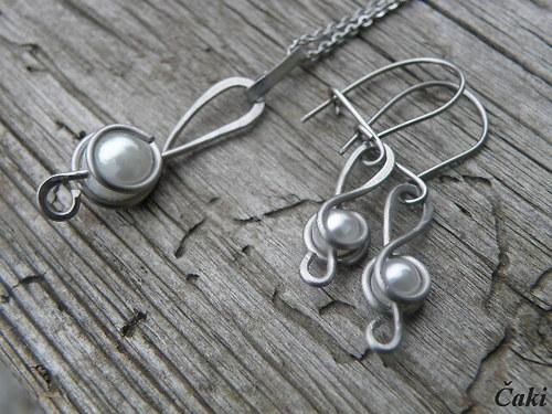 Housláčková souprava s perličkami
