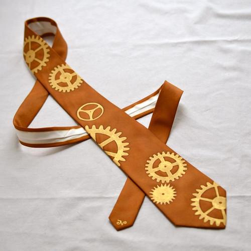 Kravata s ozubenými kolečky - sv. hnědá
