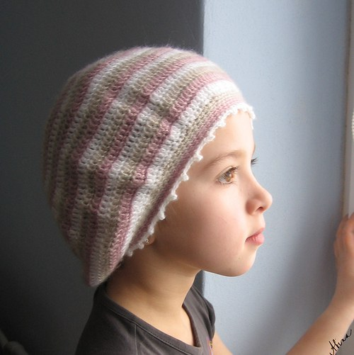 Pruhovaný baret