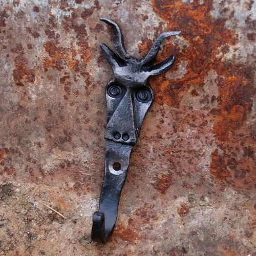 Věšáček-koza