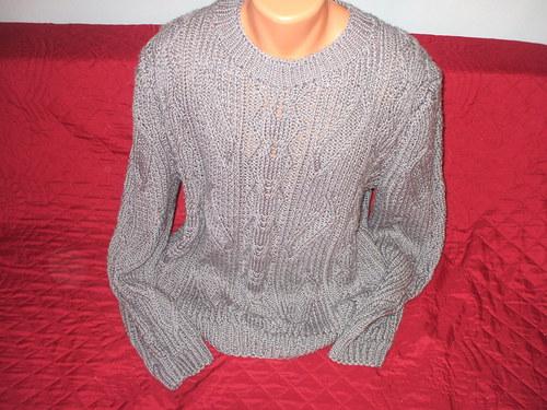 Pánský šedý svetr sleva z 700 na 500Kč