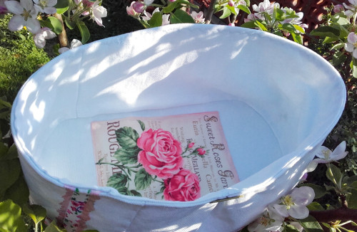 Bílý textilní košík Rose