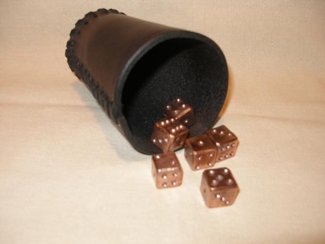 hrací kostky měď