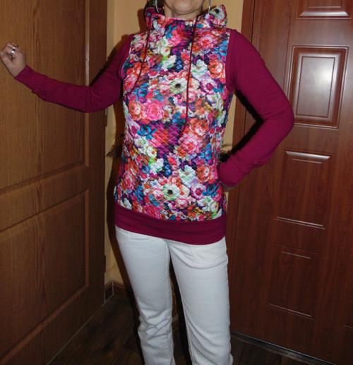 vesta -prošitý vzor-barevné květy