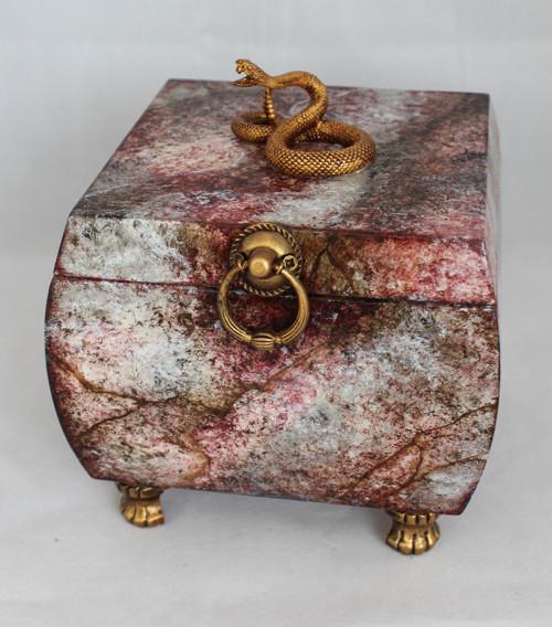 Dřevěná šperkovnice s imitací přírodního kamene