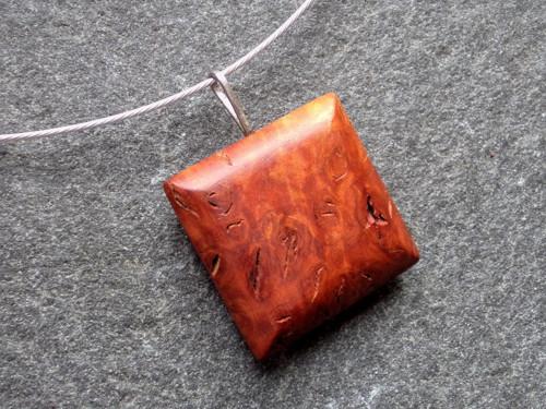 Dřevěný šperk - jarrah