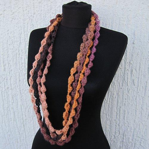 Nekonečná šála - Háčkované perly