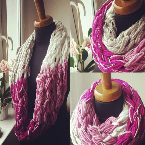 Pletená růžová se stříbrnou