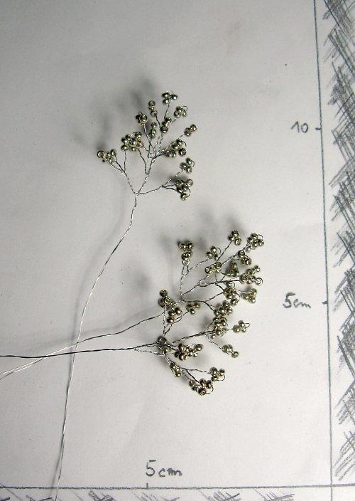 Doplněk do kytice korálkový stříbrný
