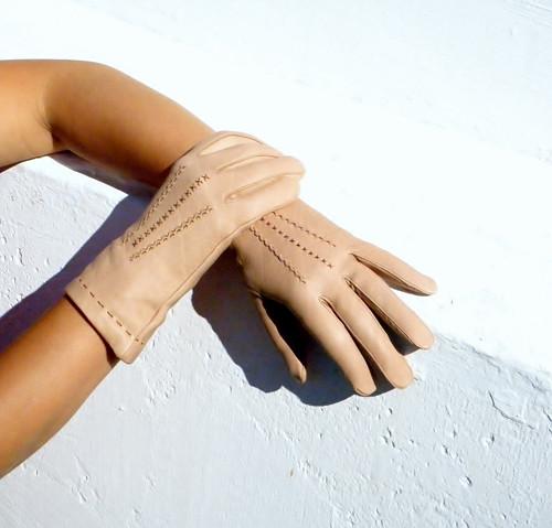 Béžové kožené rukavice s hedvábnou podšívkou