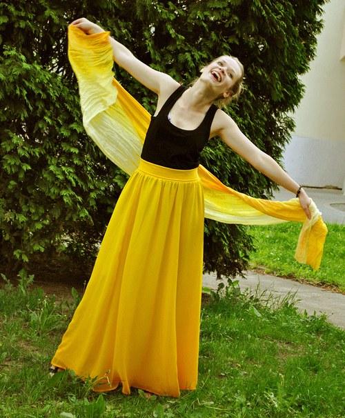 Když svítí slunce, prý neprší..hedvábná sukně