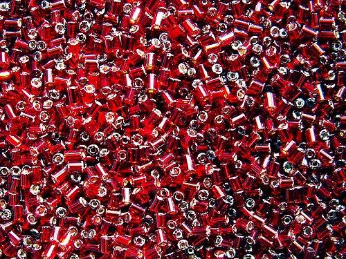 Tmavě červené tyčinky (rocail)