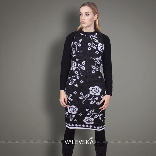 KVĚTY, originál, pletené šaty s rukávy