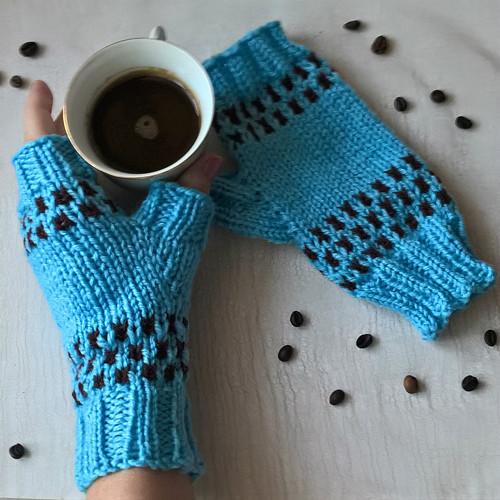 Kávová zrnka - návleky na ruce