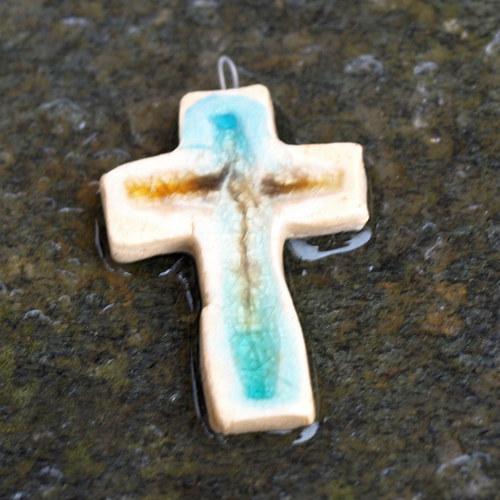 Keramický křížek