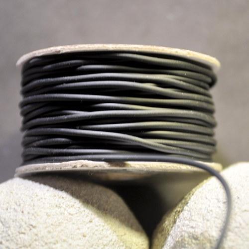 PRY2mm Pryžová šňůrka - černá/ metráž