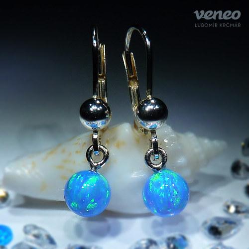 Persefona - náušnice se světle modrými opály