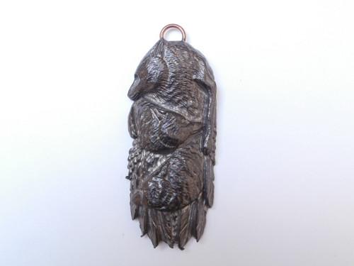 Přívěsek Totem s vlky - stříbro s patinou