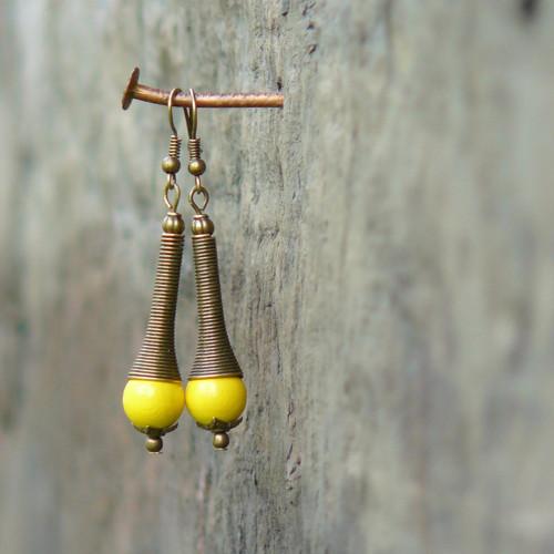 Náušnice - dřevěné korálky, žluté, spirála