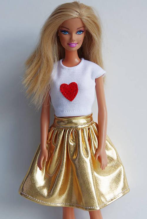 Zlatá suknička pre Barbie