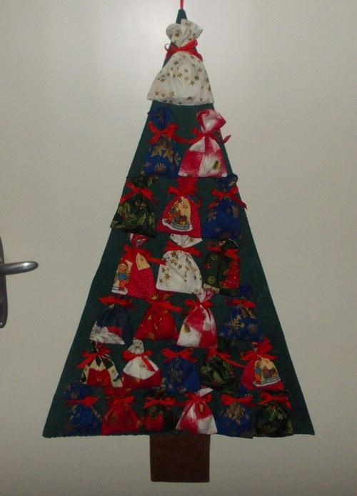 Adventní kalendář - strom s 24 pytlíčky - sleva