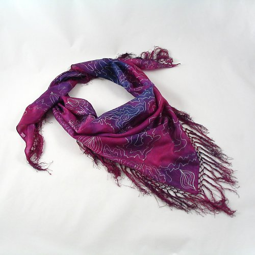 Vínovo-fialový trojcípý šátek na přání