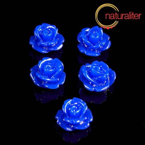 Růžička - kabošon z pryskyřice 10mm tm. modrá 10ks
