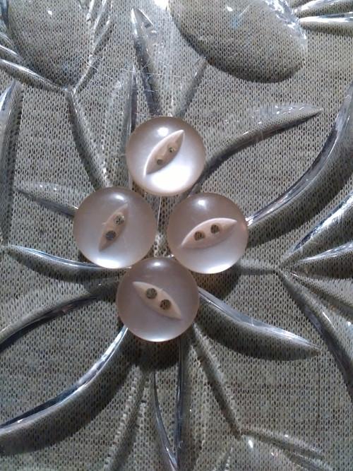 Staré perleťové knoflíčky