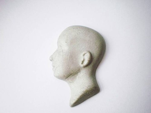 obličej - kabašon - profil