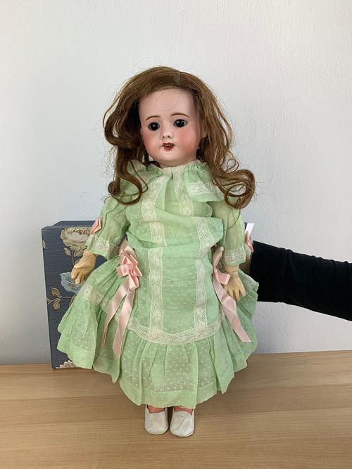 Starožitná panenka S.F.B.J. Paris 46 cm