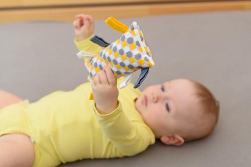 Montessori úchopový polštářek - art deco
