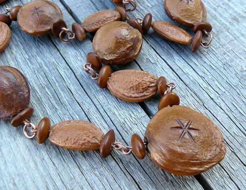 Peckovaný náhrdelník - kratší (č.5)