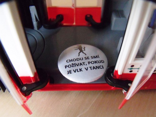 "Button ""Vlk v tanci\"""