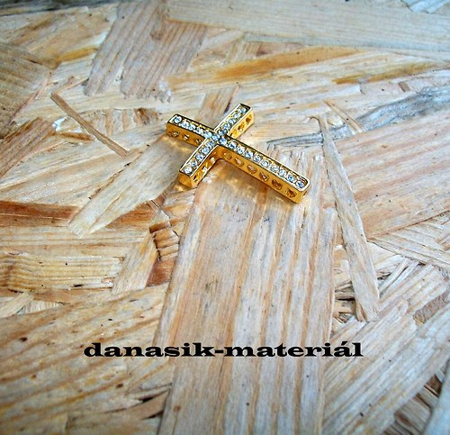MEZIDÍL - ZLATÝ KŘÍŽEK SE ŠTRASEM